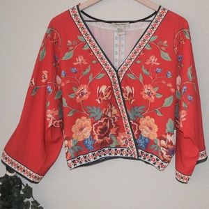 Flying Tomato  Floral  Wrap Top Sz S